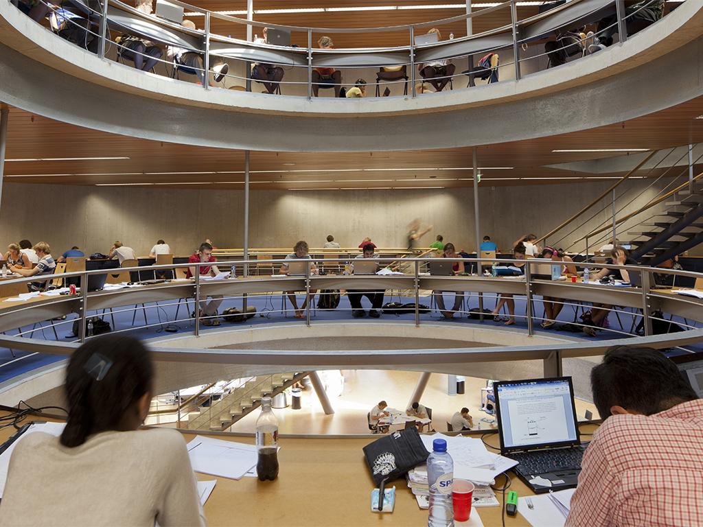Archidat architectuur projecten bibliotheek tu delft type projecten - Interieur bibliotheek ...